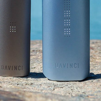 DaVinci IQ vs. MIQRO: What's the Best Portable Vaporiser?